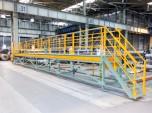 大和電機工業のスライド式作業台